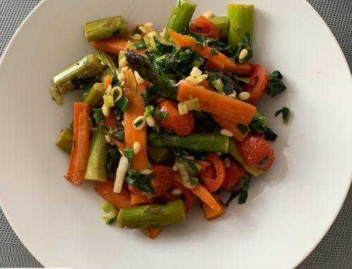 Spargel-Karotten-Gemüse mit Quinoa