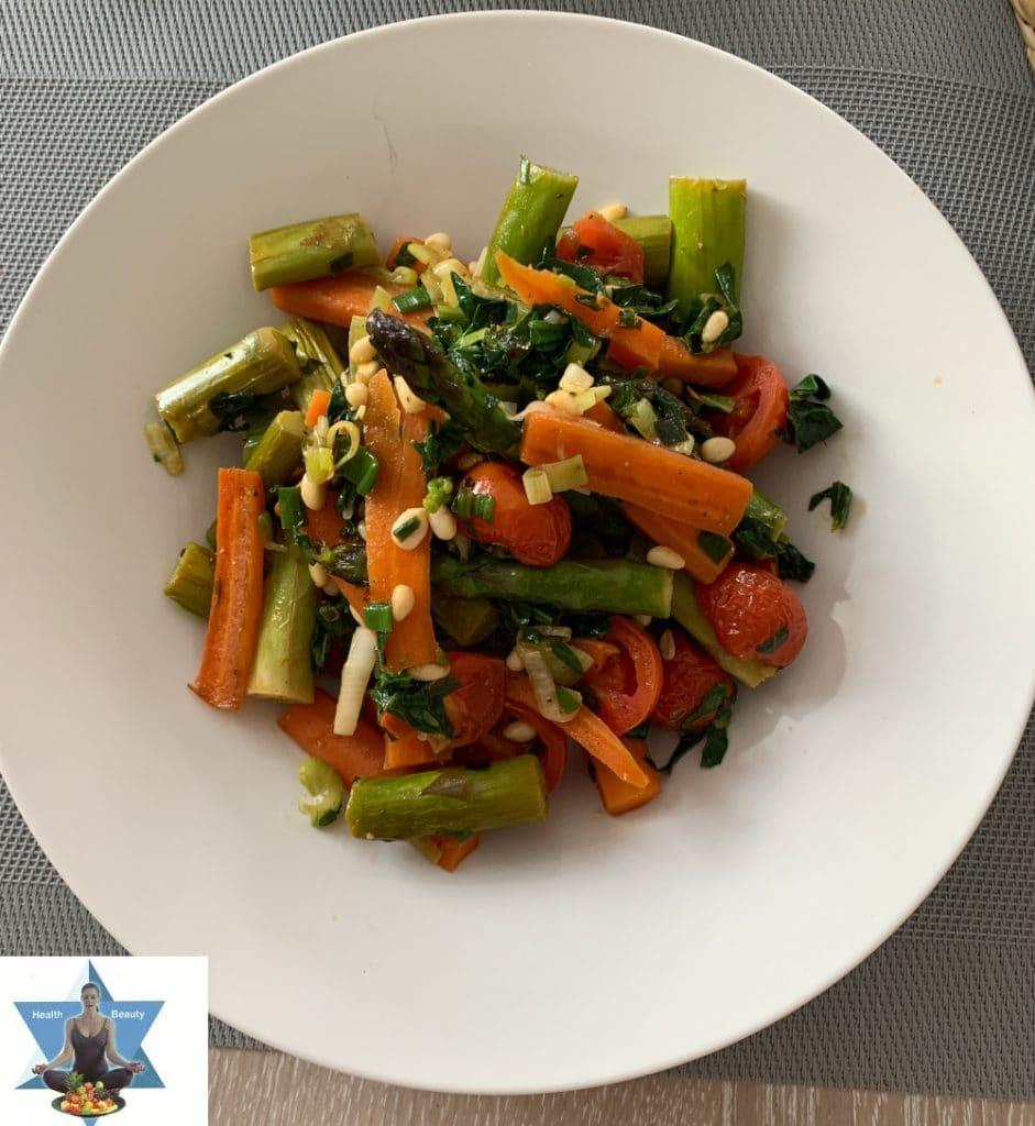 Spargel Karotten Gemüse Wok Low Carb ketogen