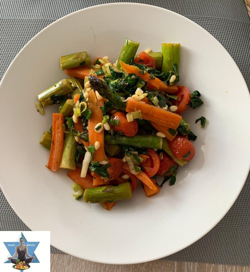 grüner Spargel Karotten Gemüse